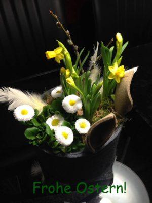 Osterkorb aus Filz mit Blumen